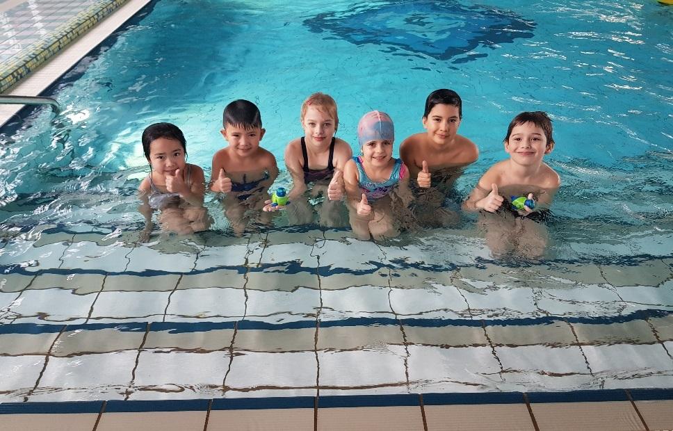 Schwimmen lernen Seepferdchen Prüfung
